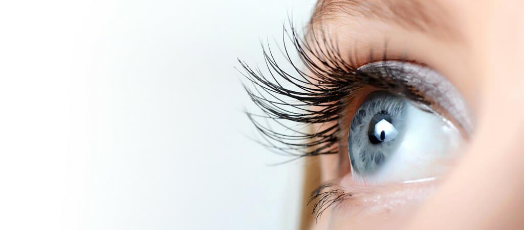 long eyelashes latisse